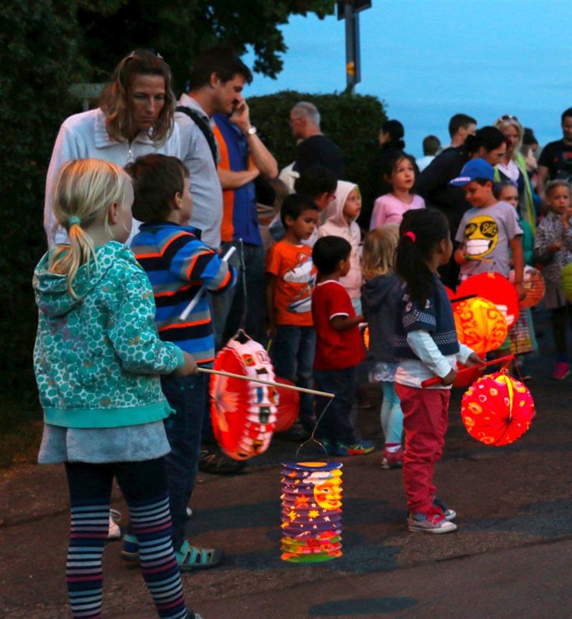 Was wäre der Höngger 1. August ohne den traditionellen Lampion-Umzug für die kleinen Festbesucher?